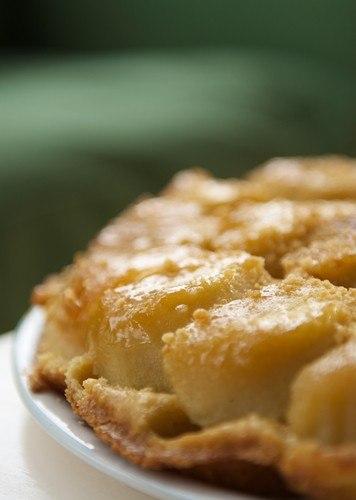 Песочный пирог из айвы с карамелью