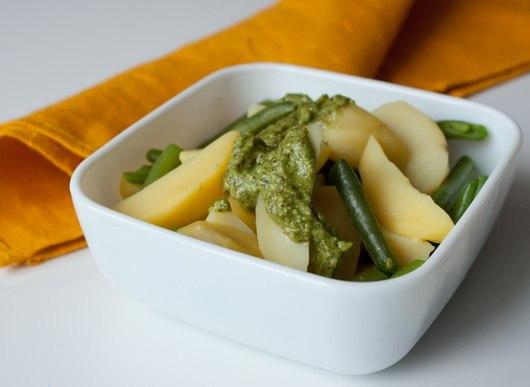 вкусняшки фото | Картофельный салат с зеленой фасолью и песто