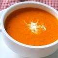 Томатный суп с морковкой и базиликом