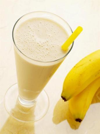 приготовить завтрак   Банановый коктейль
