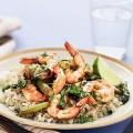 Креветки с рисом и зеленой фасолью