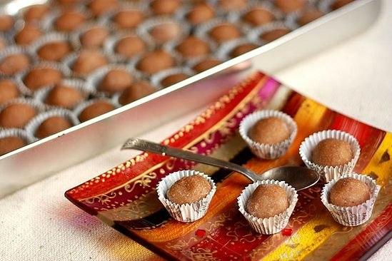 кулинария темы | Кунжутно-финиковые конфеты