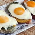 Тосты с яйцом на завтрак