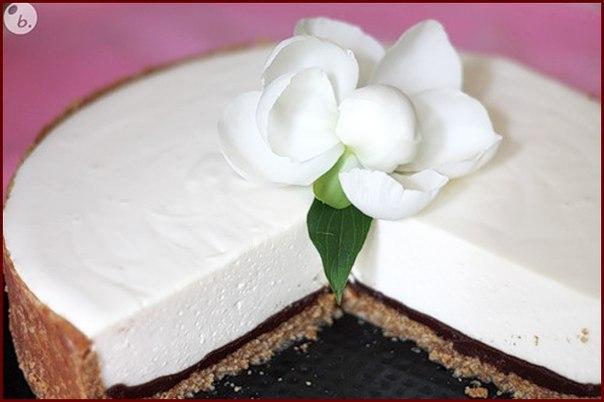 Воздушный творожный торт с шоколадом