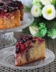 Торт из манки,кокосовой стружки и ягод