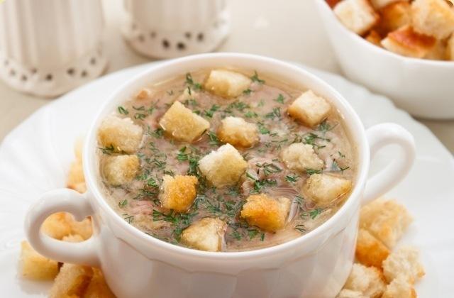 кулинария рецепты | Суп с чечевицей, беконом и сухариками