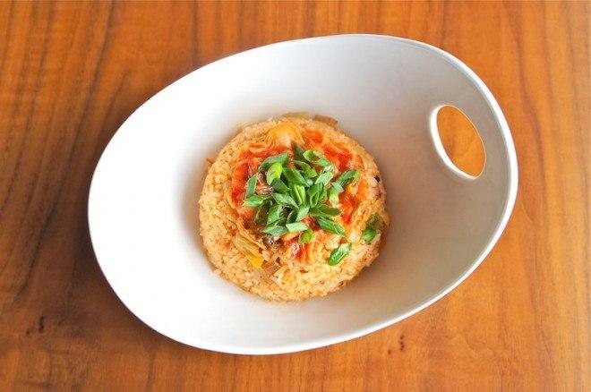 Жареный рис с орехами