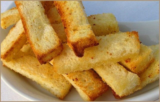 Пшеничные чесночные гренки