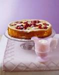 Пирог с вишней и персиками