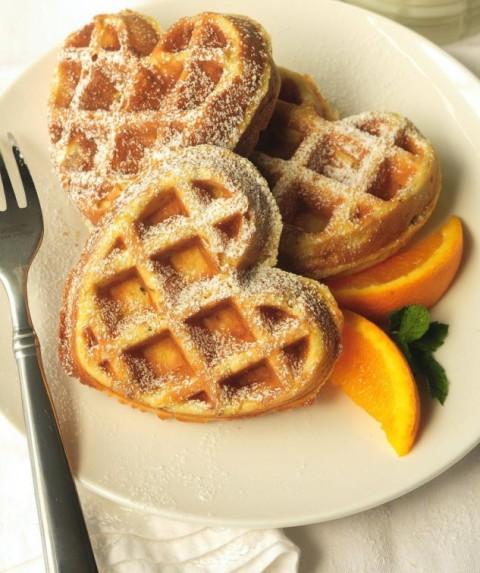 Апельсиновые вафли с орехами