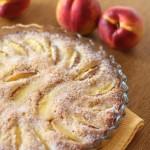 Пирог с нектаринами и маком