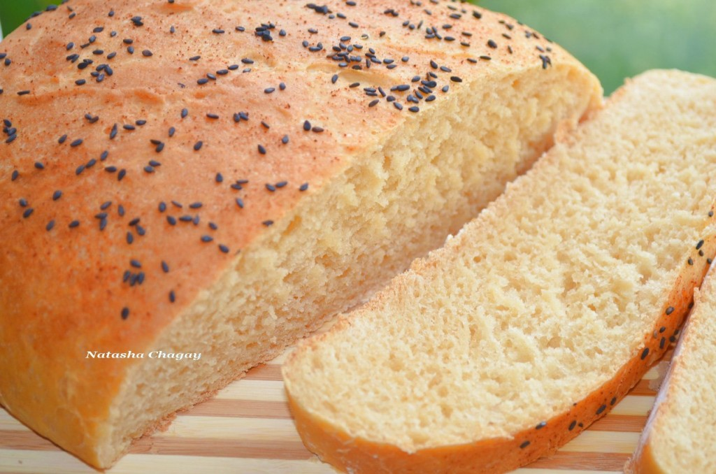 Хлеб с творогом и паприкой