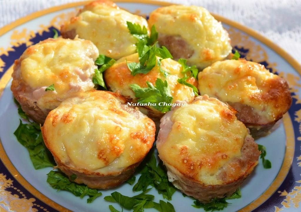 Мясные кексики с сырно-яичной начинкой